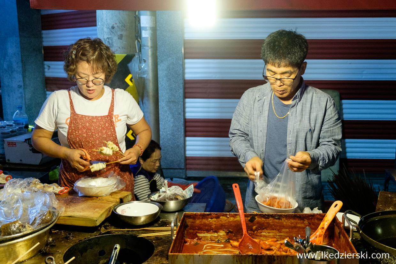 korea street food uliczne jedzenie w korei korean street food tteokbokki ddeokbokki