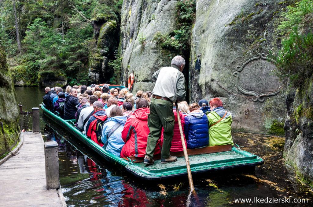 skalne miasto Adršpach rejs łodzią w skalnym mieście