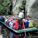 Rejs łodzią w skalnym mieście Adršpach