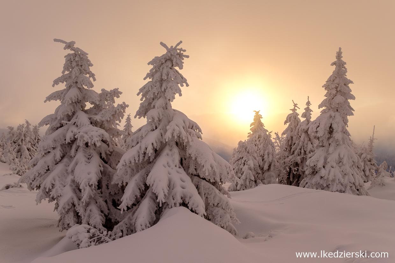 karkonosze zimą zdjęcia wschód słońca karkonosze