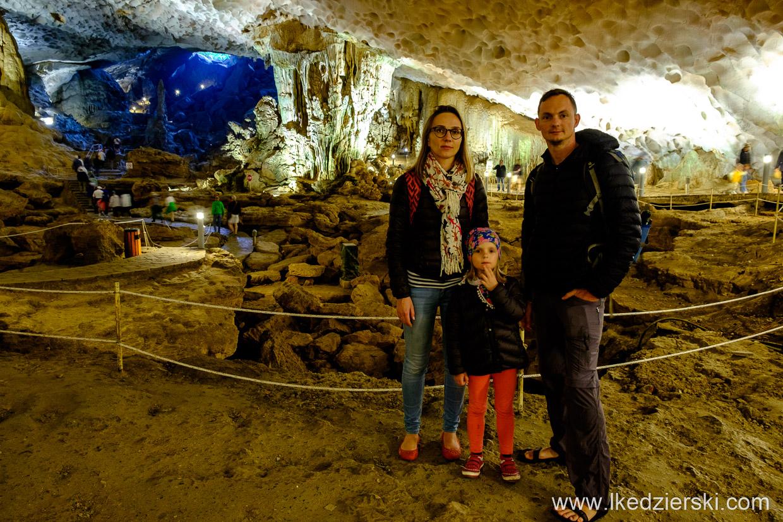 wietnam halong bay sung sot surprise cave