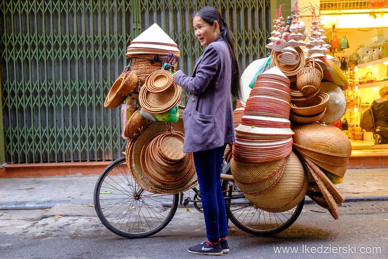 wietnam hanoi ulica kapelusze