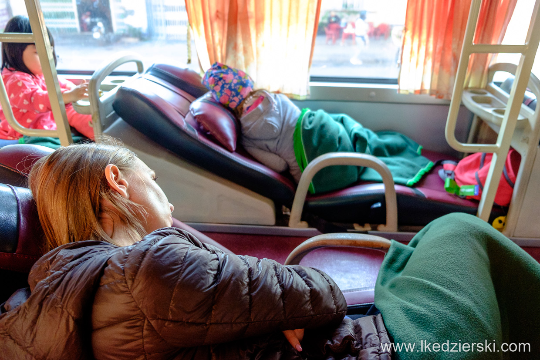 wietnam autobus z miejscami do leżenie