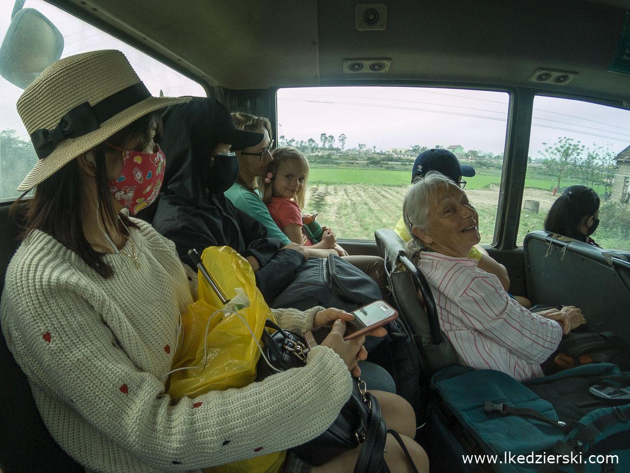 wietnam lokalny autobus do phong nha ke bang son trach