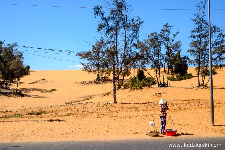 wietnam atrakcje mui ne red sand dunes czerwone wydmy