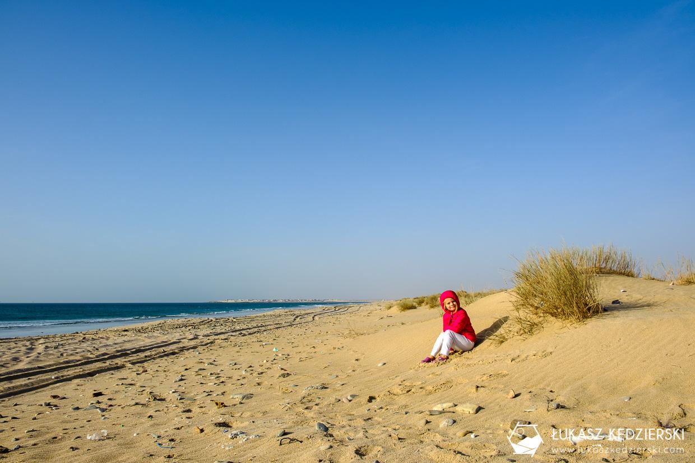 noclegi w omanie oman pod namiotem kemping w omanie plaża