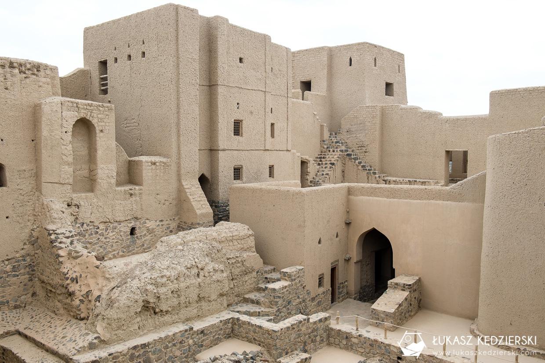 podróż do omanu bahla fort atrakcje omanu oman atrakcje co warto zobaczyć w omanie