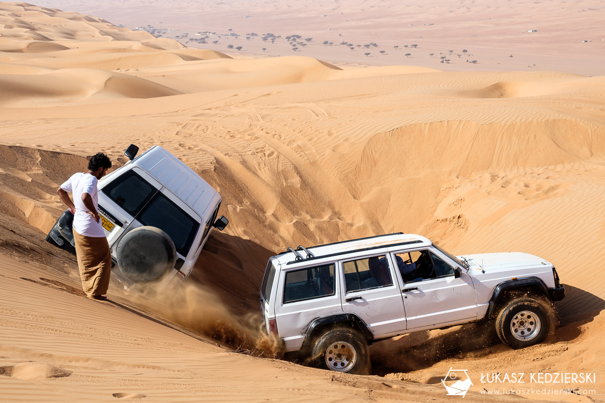 podróż do omanu wahiba sands dune bashing