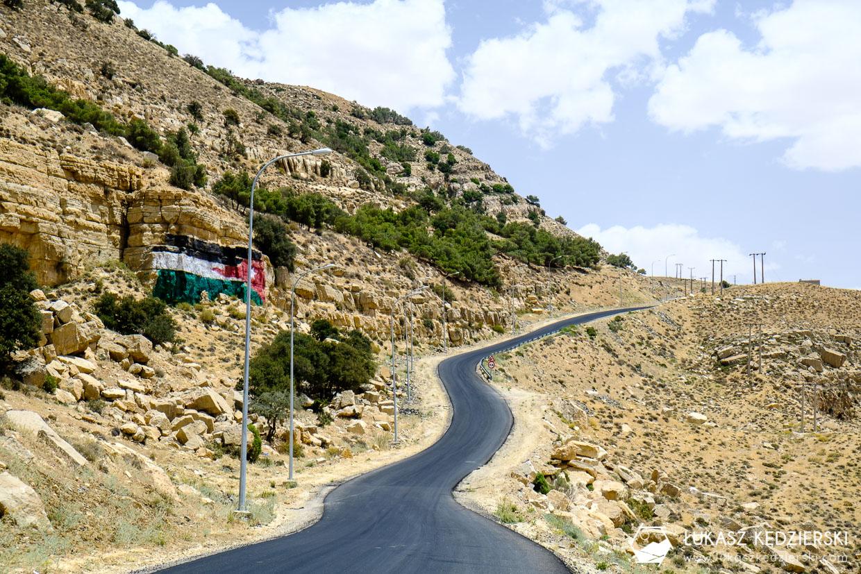 jordan king's highway jazda samochodem w jordanii dana