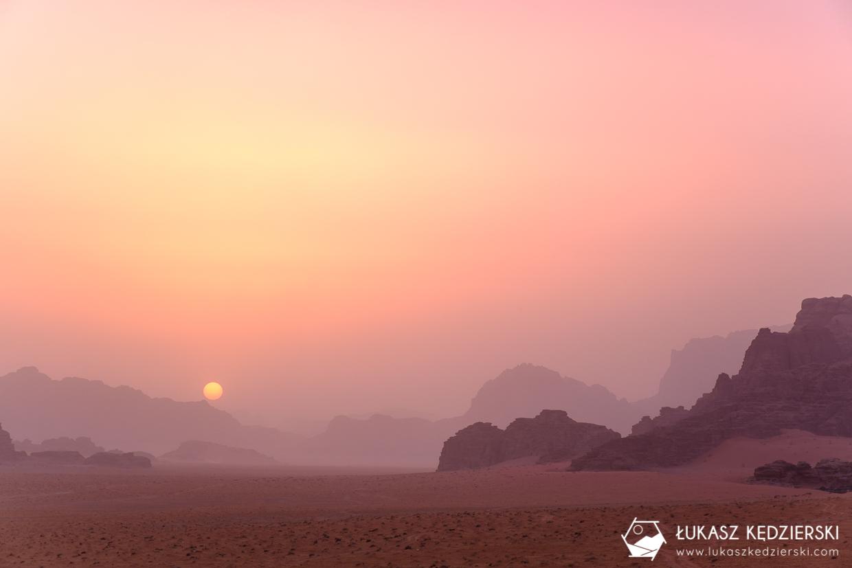 jordania wadi rum jordan desert pustynia sunset