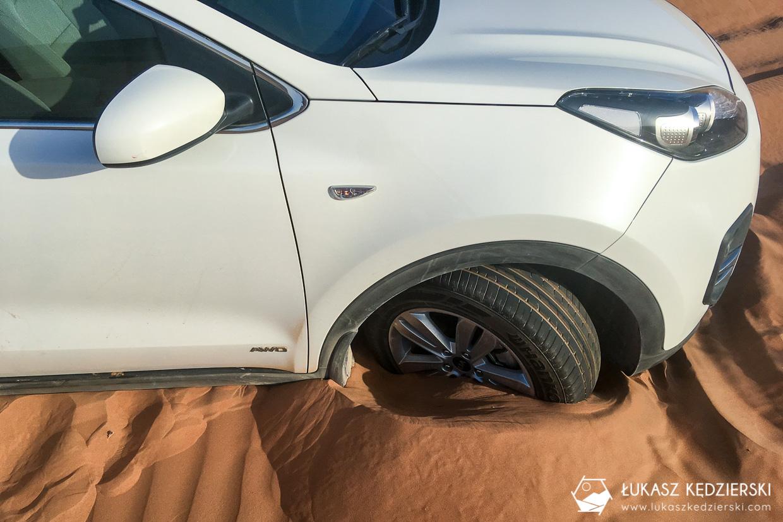 oman wahiba sands pustynia samochód