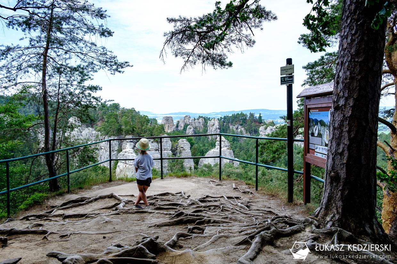czeski raj Hruboskalsko szlak skalne miasto Vyhlidka U Kapely