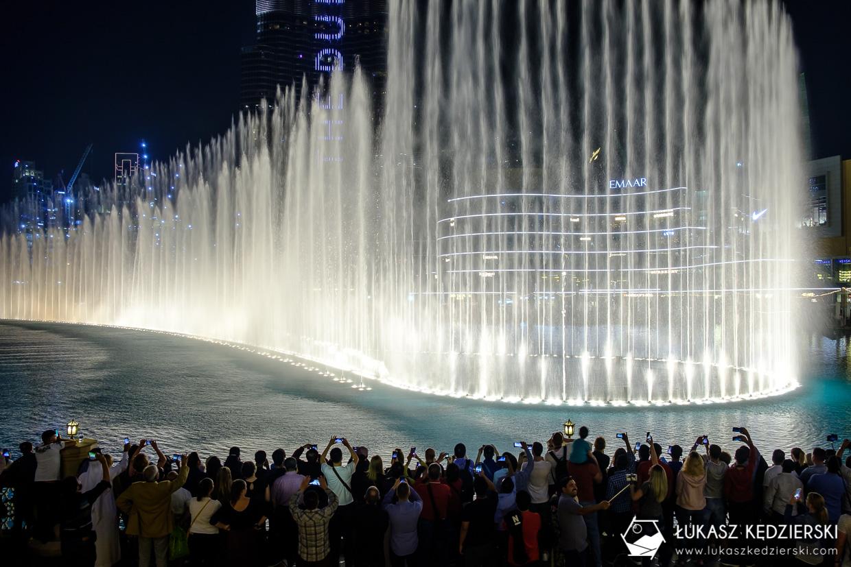 zea dubaj burj khalifa nocne zdjęcia dubai fountain