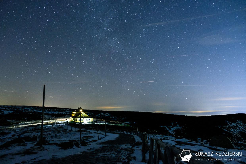 karkonosze nocą zdjęcia nocne zdjęcia karkonoszy nocne zdjęcia dom śląski