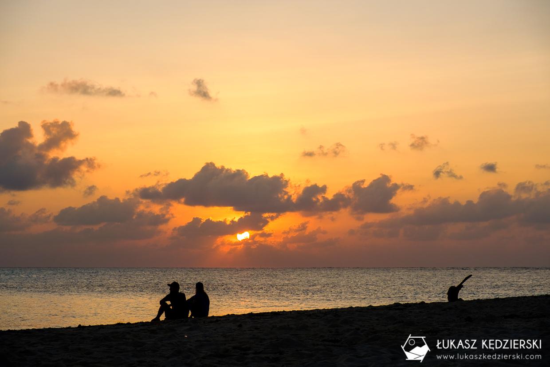 malediwy fulidhoo sunset zachód słońca na malediwach