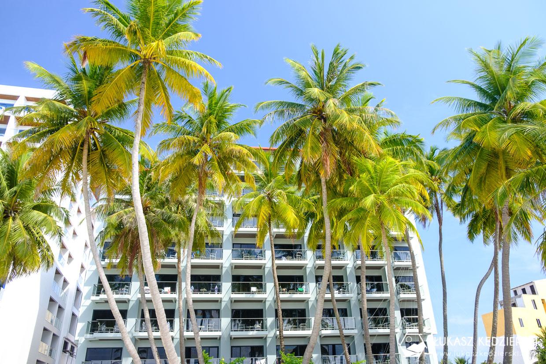 malediwy maafushi lokalna wyspa plaża bikini beach
