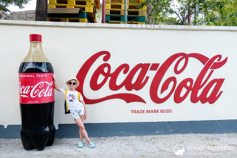 malediwy thulusdhoo fabryka coca cola