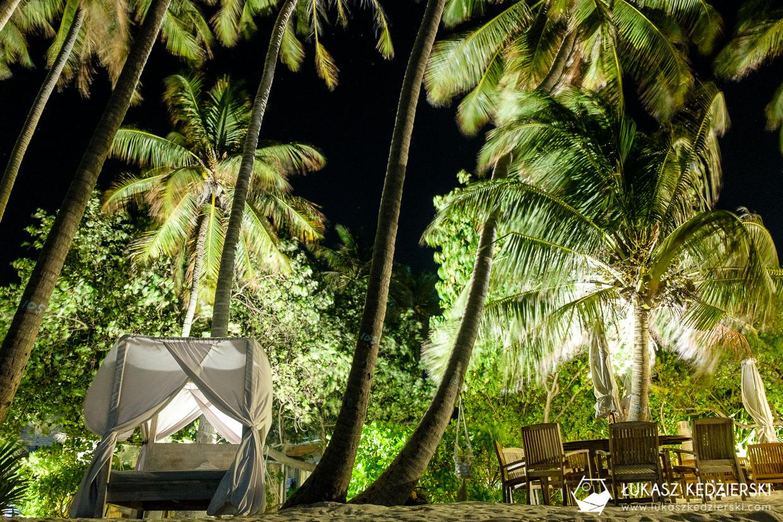 malediwy thulusdhoo lokalna wyspa plaża bikini beach nocne zdjęcia night photos