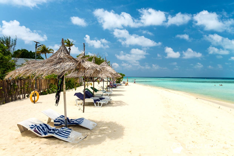 malediwy gulhi plaża bikini beach