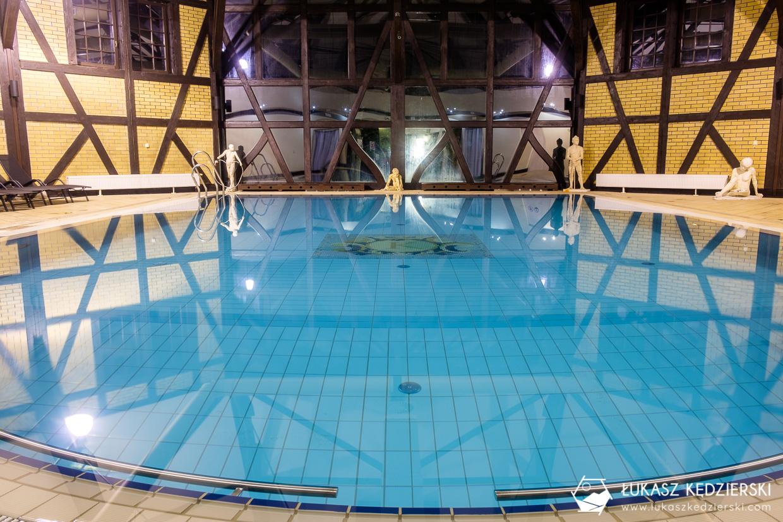 zamek kliczków dolny śląsk zamki atrakcje basen