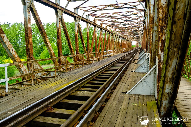 czernica most kolejowy